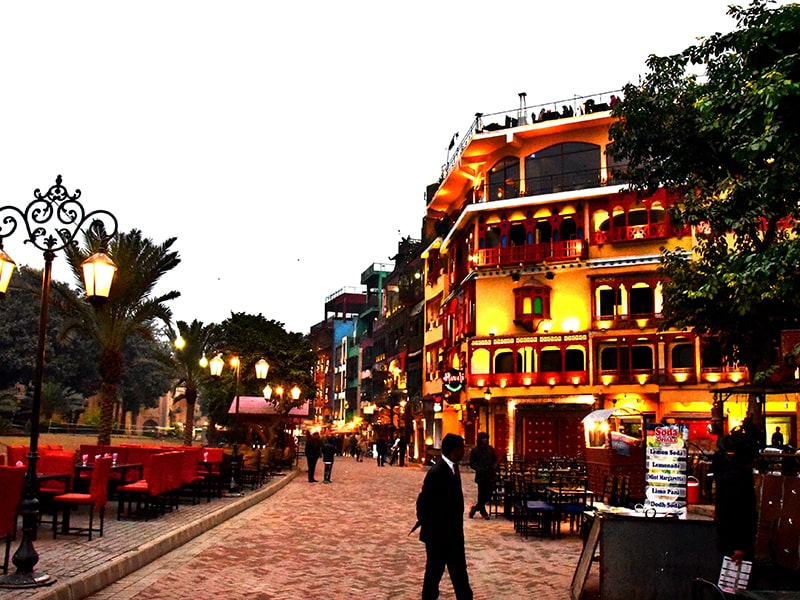Lahore Food Street, City tour, Click pakistan