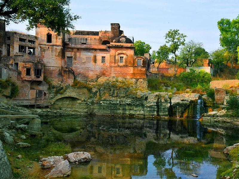 Historical places of Pakistan, Click Pakistan
