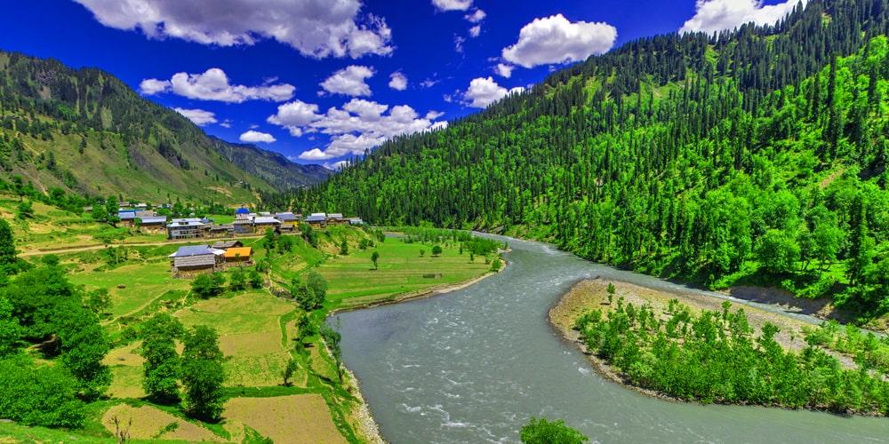 Neelum River - Click Pakistan tourism serivces
