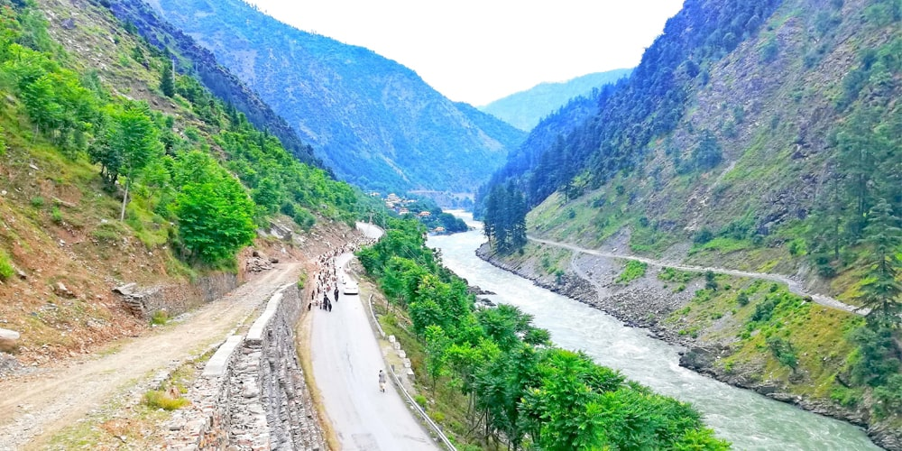 Road to neelum - Click Pakistan tourism services